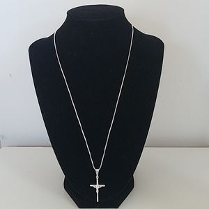 925 Sterling silver crucifix necklace. New